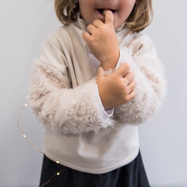 jumper with poodle sleeves